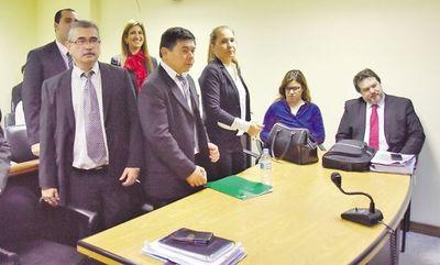 Auditores absueltos de acusación de blanquear desvío tendrán otro juicio