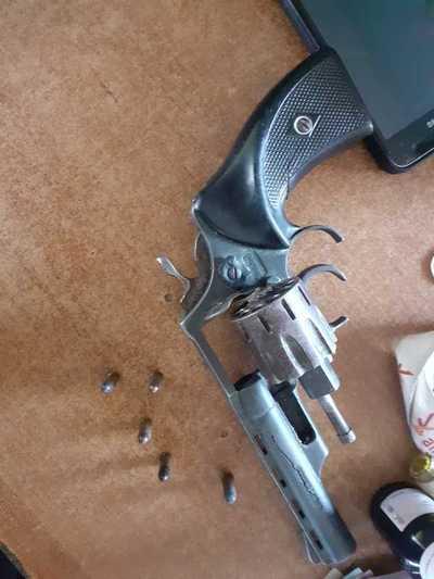 Mujer armada fue detenida en inmediaciones de la Nueva Olla