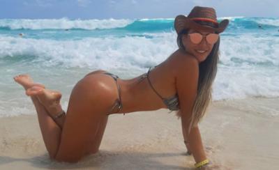 """HOY / """"Entera, madura y de pie"""": Ruth Alcaraz presume 'cuerazo' en Cancún"""