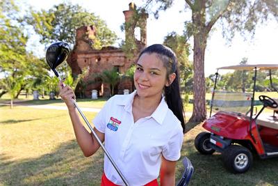 Tatiana Benítez una campeona de la vida y del golf
