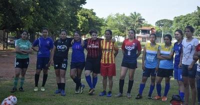 Fútbol femenino: la selección Sanlorenzana disputó un encuentro amistoso