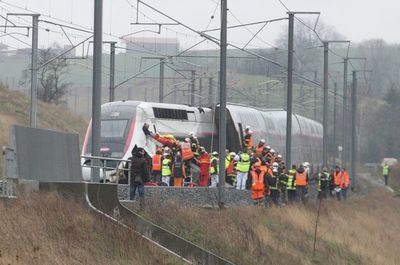 Veintidós heridos en Francia al descarrilar tren de alta velocidad a 270 km/h