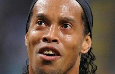 Filtran el pasaporte falso con el que Ronaldinho fue detenido en Paraguay