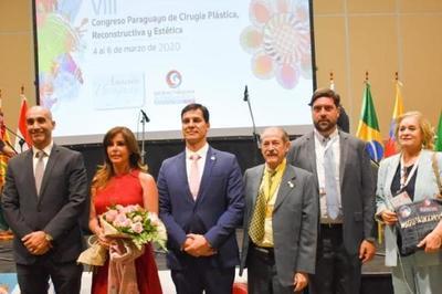 """Destacan resultados del Proyecto """"Victoria"""" durante apertura del VIII Congreso Paraguayo de Cirugía Plástica"""