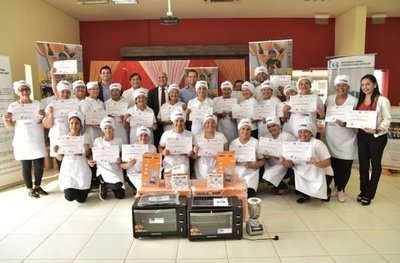 Azulgranas se gradúan en el curso de Cocina y Repostería