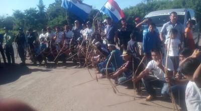 Campesinos e indígenas comienzan a cerrar rutas