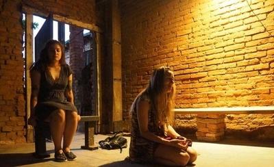 "HOY / ""Nombre"", la obra teatral que rinde tributo a Rubén Vysokolán se presenta en Punta Karapã"