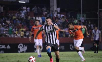 HOY / Ferreira ya es goleador del campeonato con Roque Santacruz