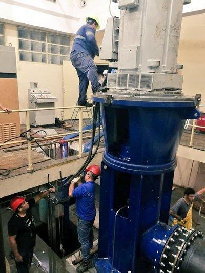 Essap culmina instalación de nueva bomba en planta de Viñas Cué