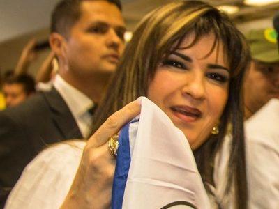 Testigo presenta mensajes de Dalia López sobre documentos falsos
