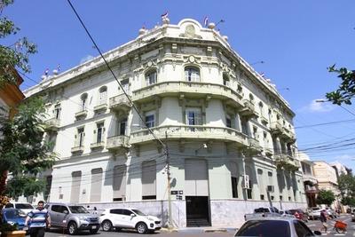 Hacienda transfirió cerca de G. 350.000 millones a municipios y gobernaciones en febrero