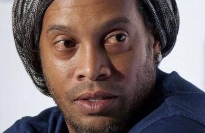 Filtran la primera foto de Ronaldinho en una prisión en Paraguay