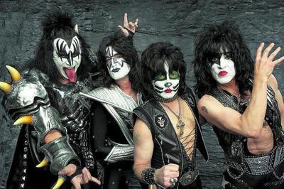 Kiss regresa a Paraguay