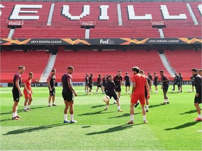 UEFA confirma que Sevilla-Roma e Inter-Getafe no se jugarán este jueves