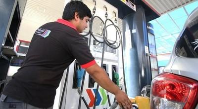 Petropar baja G. 400 precio de combustibles y se suma a un emblema privado