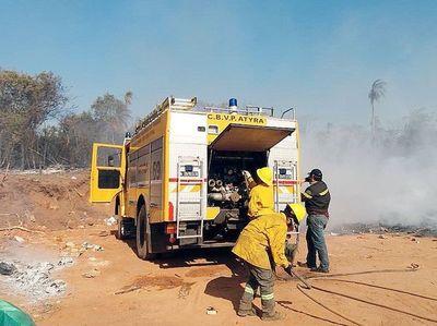 Un grave incendio  en la  zona de  Altos y Atyrá