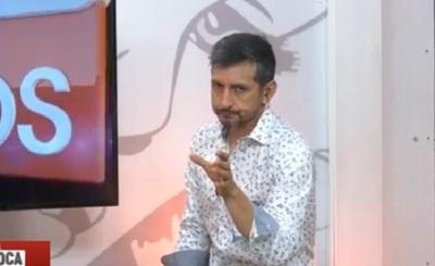 Juanca Samaniego sorprendió con un estornudo en pleno programa de tv