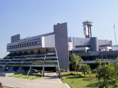 Dinac suspende actividades académicas y restringe vuelos a Europa