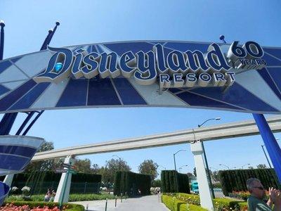 Disneyland cierra en California por el coronavirus