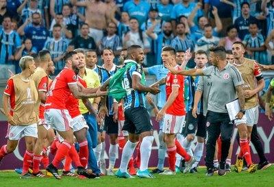 Escándalo con ocho expulsados en la Libertadores 2020