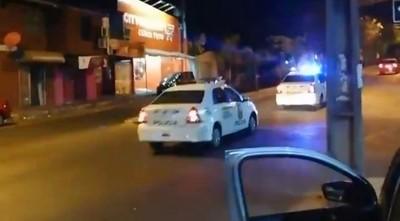 """""""Favor, todos a su domicilio"""", ordena la Policía en sus recorridos"""