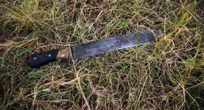 Anciano habría agredido a su pareja con un machete