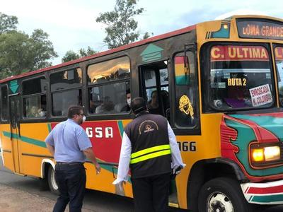 Dinatran adopta nuevas medidas para minibuses y solo pueden llevar pasajeros sentados