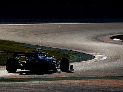 Fórmula Uno pospone cambio de reglamento por coronavirus