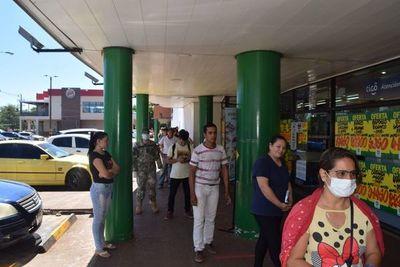 Encarnación registra un escaso movimiento en las calles pero mucha gente en los supermercados