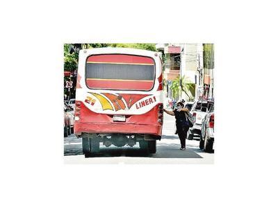 Transporte pide suspender el servicio