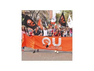 Universitarios insisten en exoneración