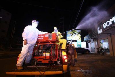 En varias ciudades realizan tareas de desinfección