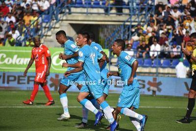 Club colombiano suspende 13 contratos por el covid-19