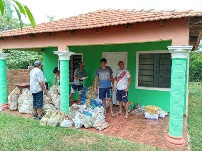 Agricultores donan 500 kilos de mandioca para repartir a afectados