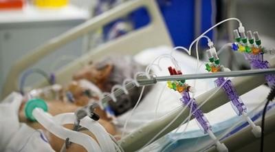 Clave en la lucha contra COVID-19: la desesperada carrera por fabricar más respiradores