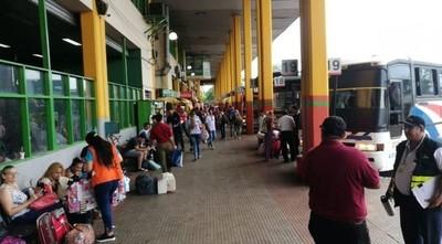 Cierre de Asunción y Central por Semana Santa y suspensión de clases por 6 meses, plantea experto