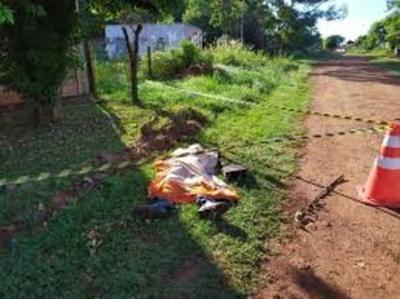 Vecinos encuentran cadáver en una vereda de Encarnación