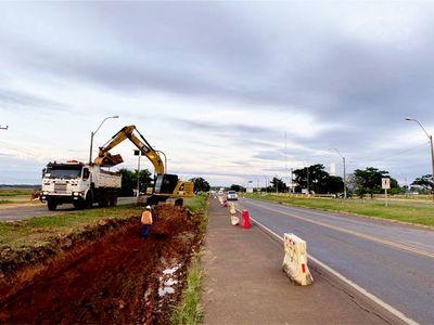 Primeras capas de asfaltado en la obra de duplicación de la Ruta PY02 en Caaguazú