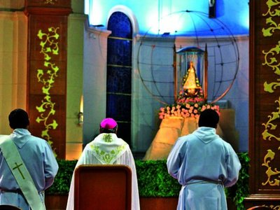 Claman a la Virgen por el fin de la peste, con repique de campanas