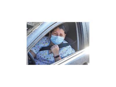 """Doctora llora de impotencia y pide """"no salgan de sus casas"""""""