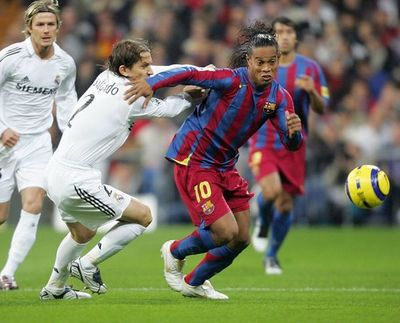 Piden liberar a Ronaldinho para un clásico vintage