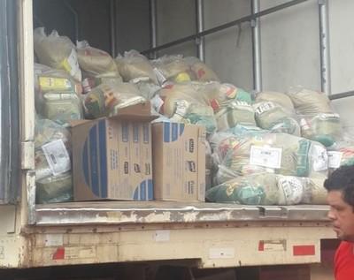 Empezó distribución de kits de víveres a escolares