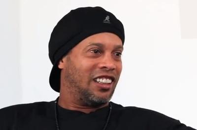 ¿Ronaldinho preso y fuera de los videojuegos?