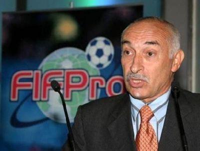 Clubes franceses y jugadores acuerdan rebaja de salarios