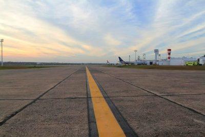 Otro grupo de 56 paraguayos arribó a nuestro país en vuelo humanitario