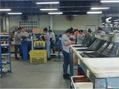 Covid-19: Industrias deberán trabajar al mínimo, señala el MIC