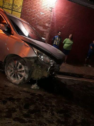 Policía ebrio ocasionó accidente de tránsito estando de guardia