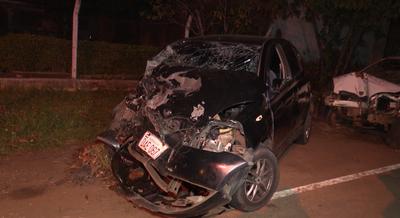 Policía aparentemente ebrio protagonizó violento accidente en Luque