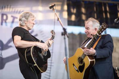 """Roger Waters se despide de John Prine con su versión de """"Paradise"""""""