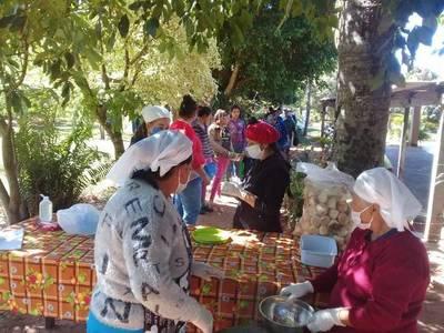 Gobernador de Paraguarí agradece a expresidente Cartes donación de 6.000 kilos de alimentos